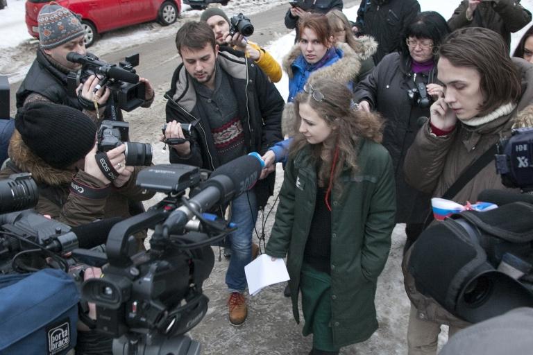 <p>Pussy Riot member Maria Alyokhina goes free in Nizhny Novgorod.</p>