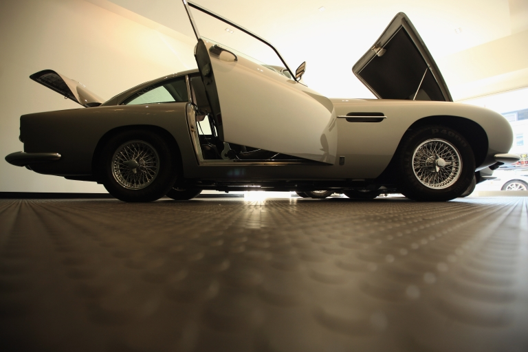 <p>James Bond's famous 1965 Aston Martin DB5 is up for sale by its Swiss billionaire owner.</p>