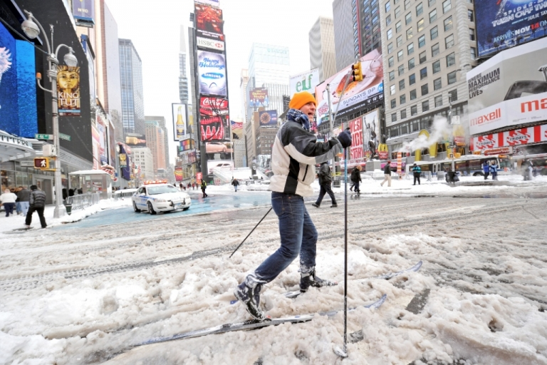 <p>Forecasters are predicting the blizzard will be similar to one that hit New York in 2010 and dumped 16 inches of snow.</p>