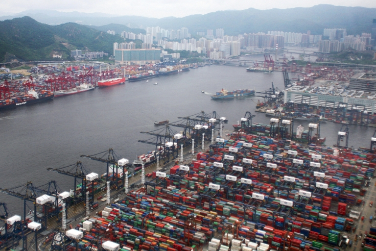 <p>An overview of Hong Kong's container port terminal on June 7, 2007.</p>