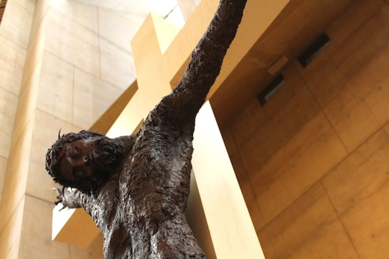 <p>The Church supports comprehensive immigration reform that would reunite families and allow migrants to work in the country.</p>