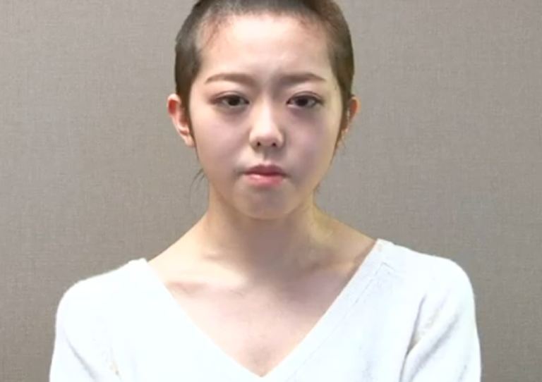 <p>Minami Minegishi of Japanese girl group AKB48 apologizes to her fans for breaking the rules by having a boyfriend.</p>
