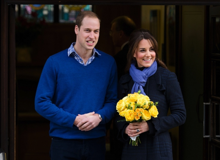 <p>A picture dated December 6, 2012 shows Britain's Prince WiIliam, the Duke of Cambridge, (L) posing for pictures with his wife Catherine, Duchess of Cambridge, as they leave the King Edward VII hospital in central London.</p>