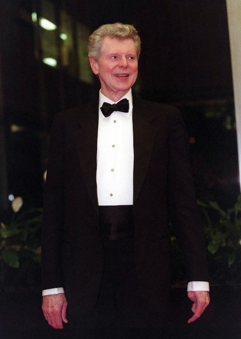 <p>Famed pianist Van Cliburn died from bone cancer at his home in Fort Worth.</p>