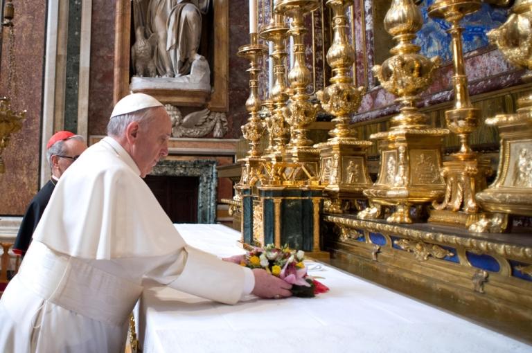 <p>Jorge Mario Bergoglio attends his first private Mass as Pope Francis in the Basilica of Santa Maria Maggiore on March 14, 2013 in Rome, Italy.</p>