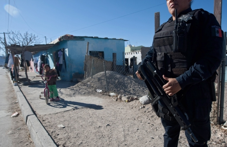 <p>A police officer takes part in a security operation in Ciudad Juarez, a city in the northern state of Chihuahua, on February 13.</p>