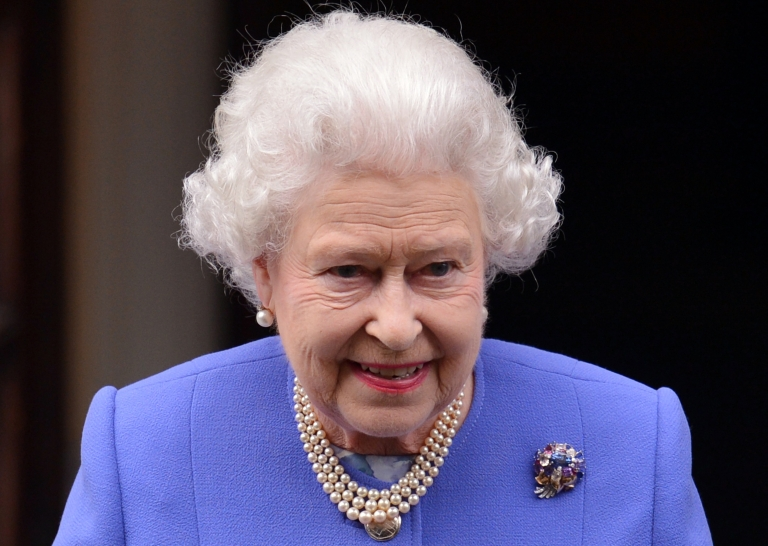 <p>Britain's 86-year-old Queen Elizabeth will sign a new charter on Monday March 11, 2013, in a live television broadcast.</p>