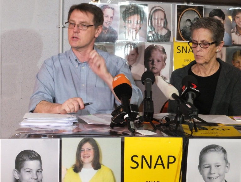 <p>David Clohessy (L) and Barb Dorris of the Survivors Network of those Abused by Priests speak at a press conference in Rome on March 8, 2013.</p>