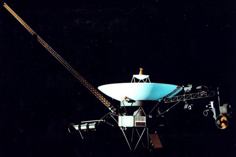 <p>The Voyager I spacecraft</p>