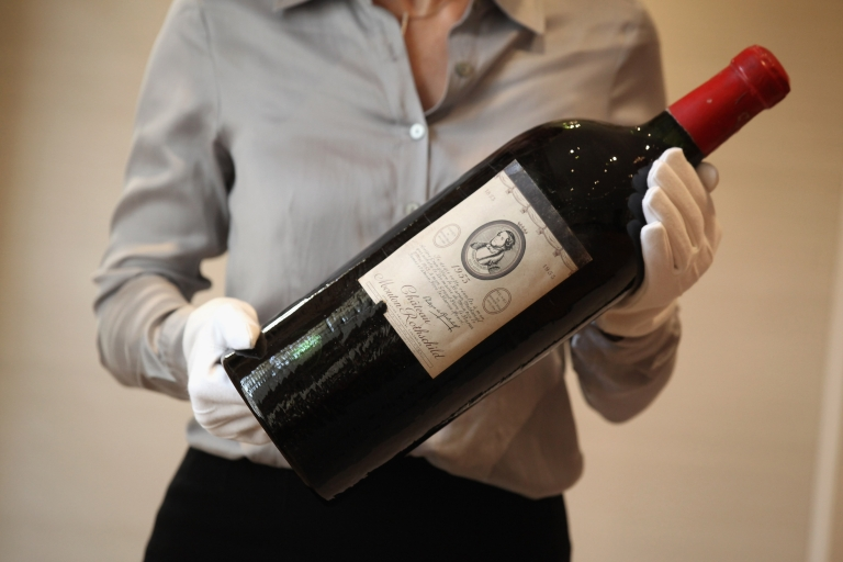 <p>Paris Elysee presidential palace is auctioning off 1200 of its choicest wines later this month in a sign of austere times.</p>