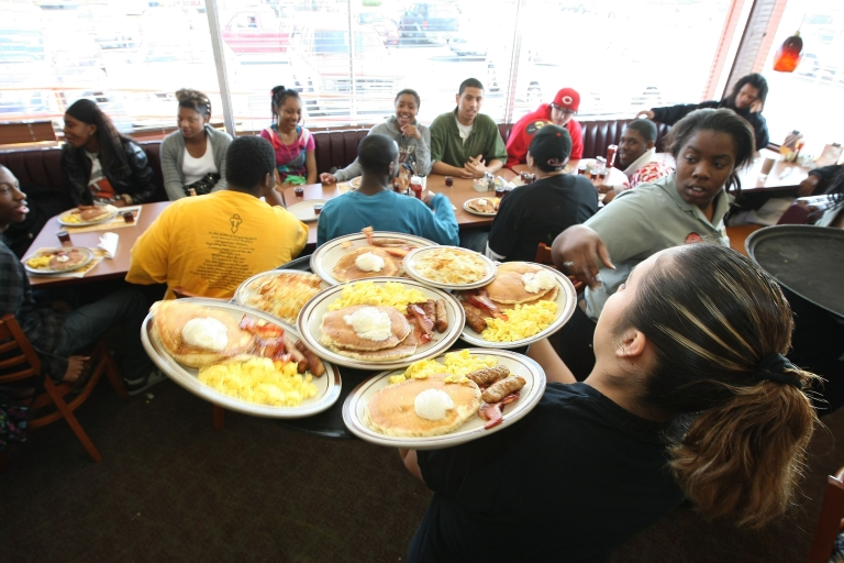 <p>New research has found that eating in restaurants means consuming large amounts of calories, fat and salt - often more than the recommended daily intake.</p>