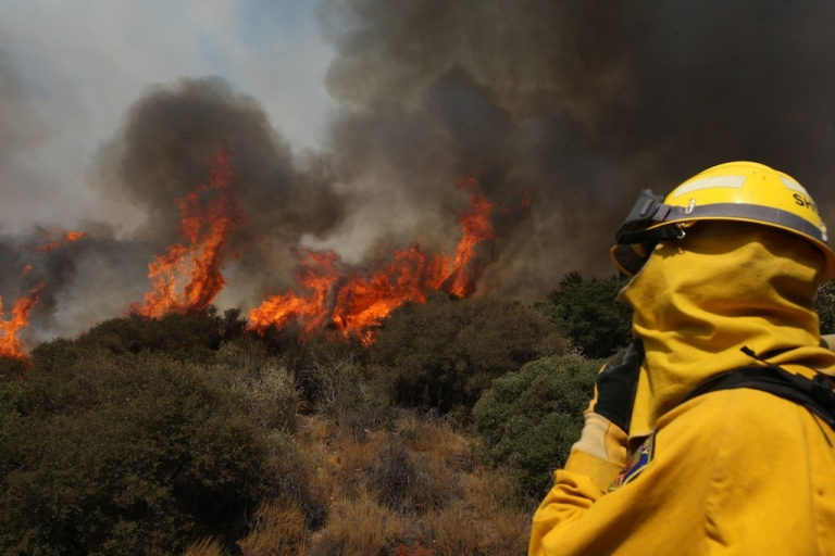 <p>Residents near Banning in Southern California have been evacuated as a fast-moving wildfire continues to grow.</p>