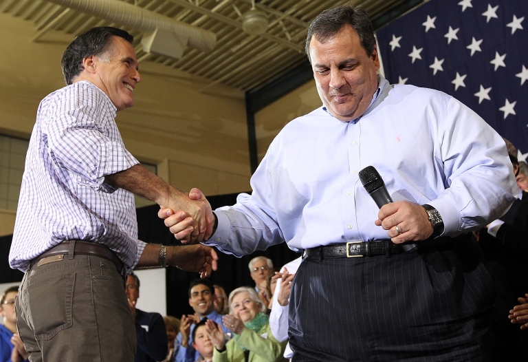 <p>New Jersey Governor Chris Christie secretly underwent lap-band stomach surgery to slim down for the sake of his wife and children.</p>