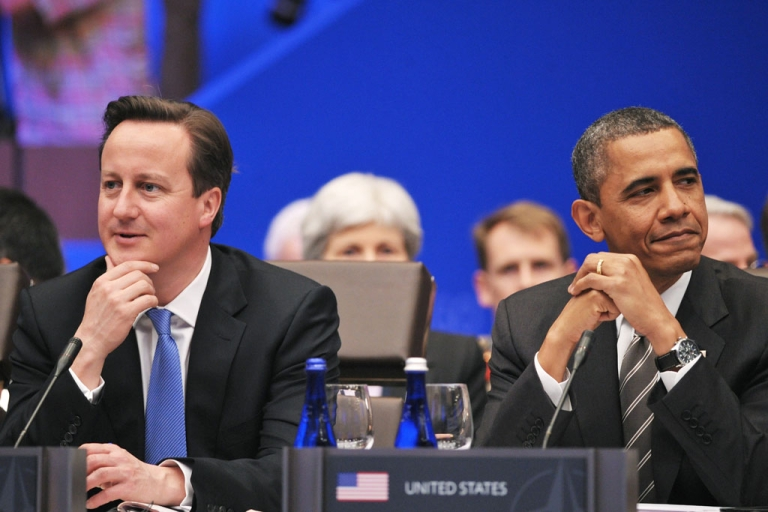 <p>British Prime Minister David Cameron (L) and US President Barack Obama at the NATO Summit on May 21, 2012.</p>