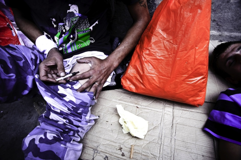 <p>Drug addicts are pictured in central Athens in this undated photo. The WHO confirmed Tuesday that Greeks are not infecting themselves with HIV using intravenous drugs in large numbers to collect welfare benefits.</p>