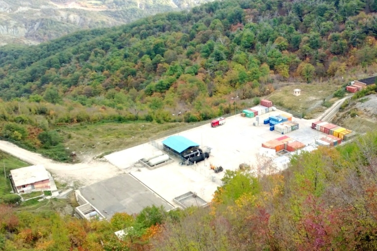 <p>No guards were visible at the hazardous waste site in Qafmolle.</p>