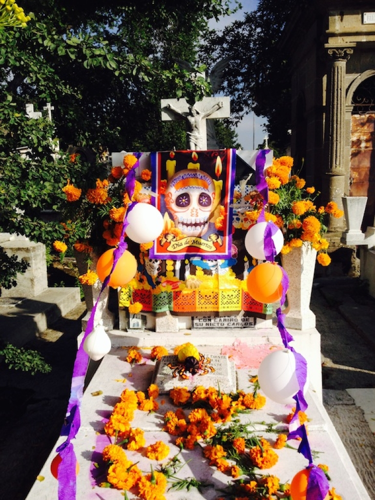 <p>Mexicans have a unique relationship with death. Rather than fear la muerte, they tend to laugh at it.</p>
