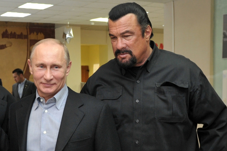 <p>Russia's President Vladimir Putin and American action movie actor Steven Seagal visit a newly-built sports complex in Moscow.</p>
