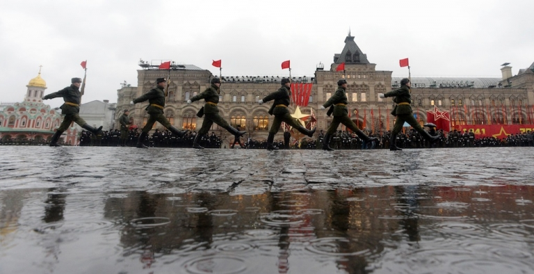 <p>This picture taken on Nov. 5, 2013 shows Russian soldiers marching at Red Square during a rehearsal of an upcoming military parade.</p>