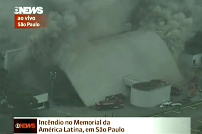 <p>São Paulo's Memorial da América Latina cultural center caught fire just before 1:30 p.m. local time on Friday, Nov. 29, 2013 with 21 fire trucks on the scene trying to put out the blaze.</p>