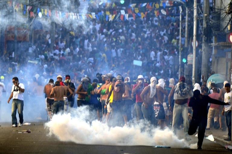 <p>Protesters blocking access to the Arena Fonte Nova Stadium in Salvador, Bahia, Brazil.</p>