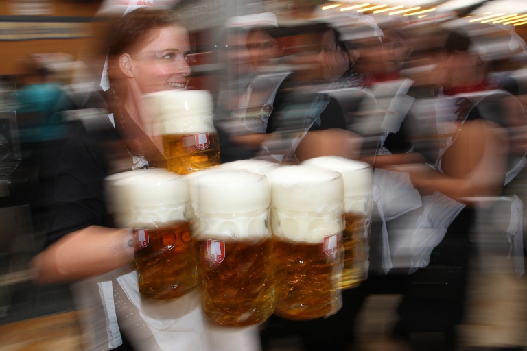<p>Not your father's brew. Microbreweries are starting to make inroads against traditional varieties.</p>