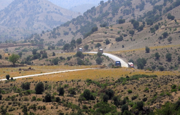 <p>The Pakistan Taliban claims commander Latif Mehsud was captured near a border crossing in eastern Khost province.</p>