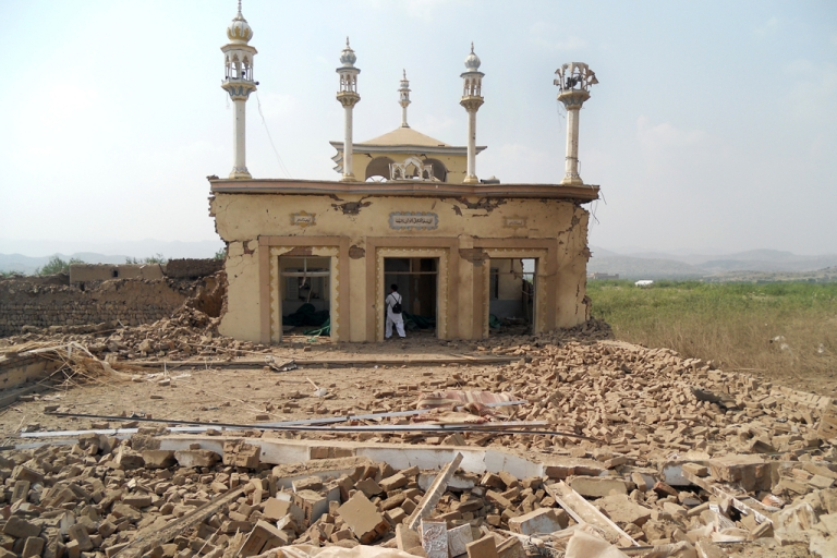 <p>A badly damaged mosque after an attack by militants from the Tehreek-e-Taliban Pakistan (TTP) near militant commander Maulvi Nabi Hanafi's house at the Spin Tal village in the Orakzai tribal district on October 3, 2013. At least 13 militants died, officials said.</p>