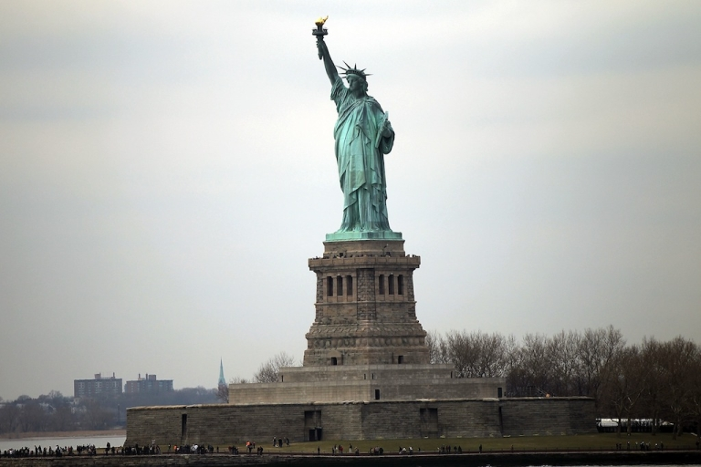<p>Nearly a dozen national parks including the State of Liberty, the Grand Canyon and Mount Rushmore will reopen after states agreed to pick up the tab.</p>