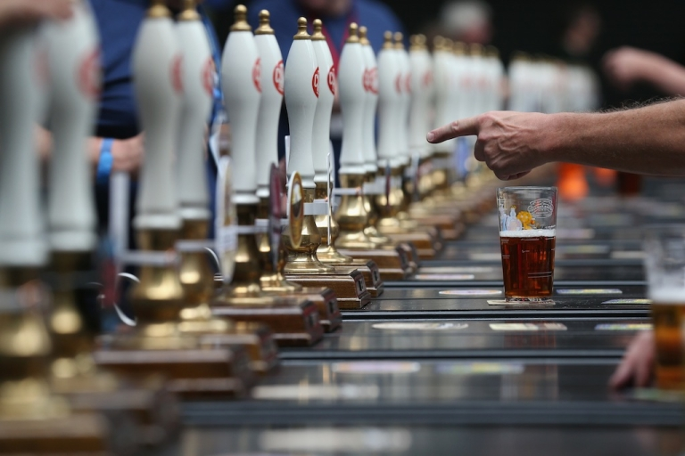 <p>A new study shows you how exactly to get quick service while ordering at the bar.</p>