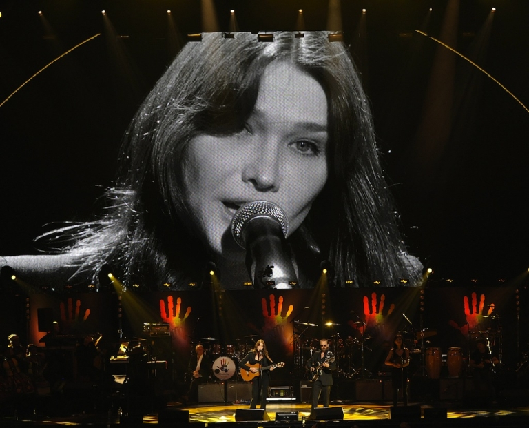 <p>Carla Bruni-Sarkozy forgot the lyrics to her most famous song at a charity concert Wednesday night - a charity on dementia.</p>