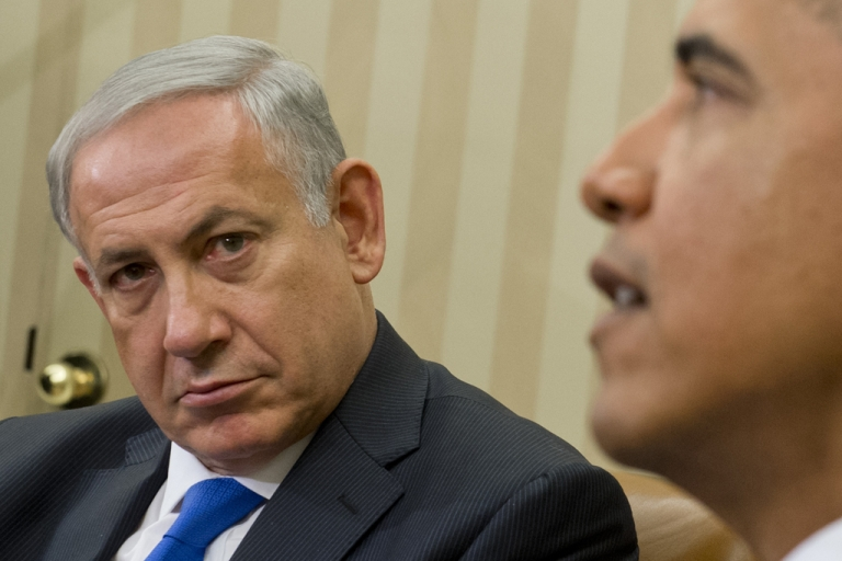 <p>US President Barack Obama (R) and Israeli Prime Minister Benjamin Netanyahu hold a meeting in the Oval Office of the White House in Washington, DC, September 30, 2013.</p>