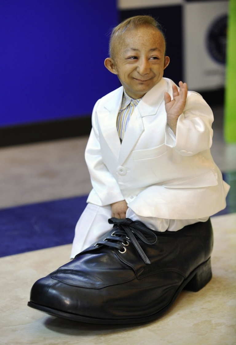 <p>He Ping Ping of China earned a spot in the 2009 Guinness Book of World Records as the shortest person on the planet.</p>
