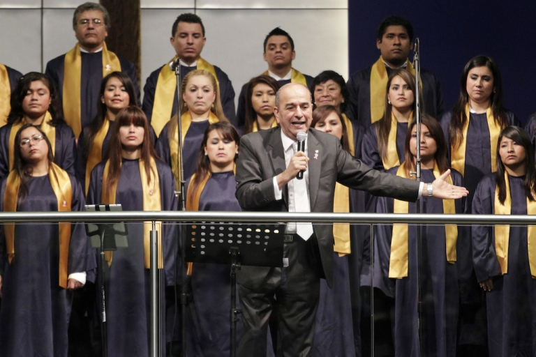 <p>Pastor Roberto Bastante delivers a speech during a ceremony of Peru's Christian Evangelical churches with political leaders in Lima, July 30.</p>