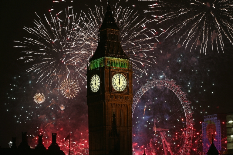 <p>Fireworks light up the London skyline and Big Ben just after midnight on January 1, 2014 in London, England.</p>