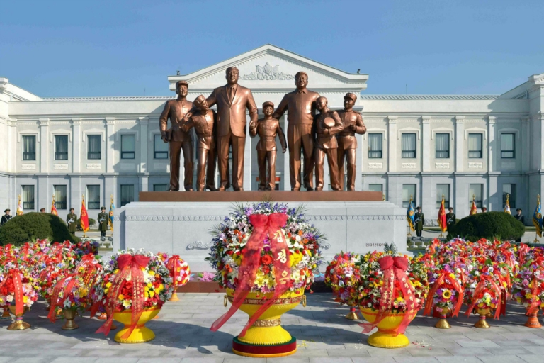 <p>This picture taken by North Korea's official Korean Central News Agency on February 16, 2013 shows the statues of late leaders Kim Il-Sung (3rd L) and Kim Jong-Il (3rd R) at Mangyongdae Revolutionary School in Pyongyang.</p>