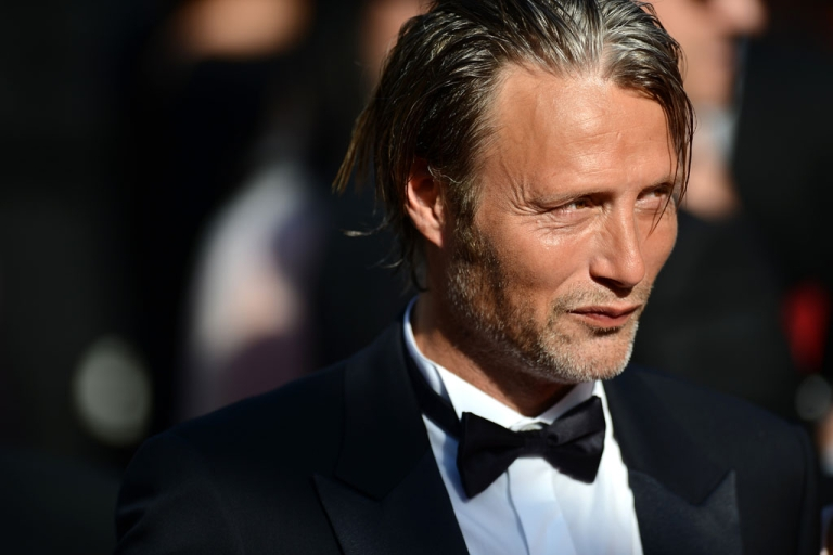 <p>Mads Mikkelsen attends the 'Zulu' premiere during the 66th annual Cannes Film Festival on May 26, 2013 in Cannes, France.</p>