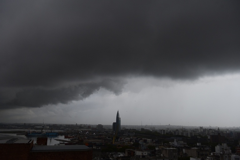 <p>A storm rolls into Montevideo.</p>