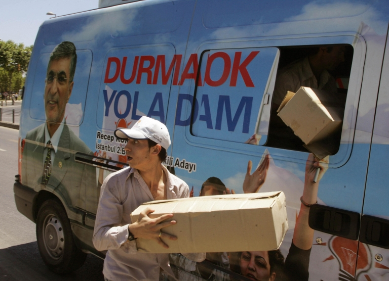 <p>A campaign van from Turkey's July 2007 legislative elections.</p>