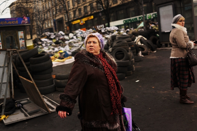 <p>On Kyiv's Maidan. Ukrainians already very hard-pressed will have to endure austerity in exchange for international financial aid.</p>