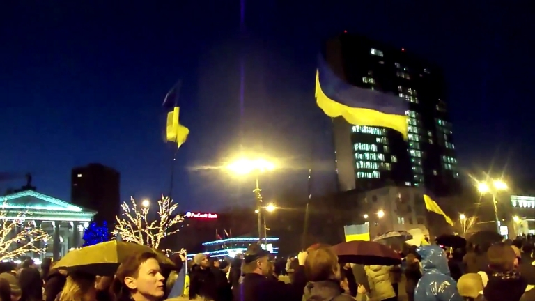 <p>Thousands gathered at a March 13th rally for Ukrainian unity in the eastern city of Donetsk</p>