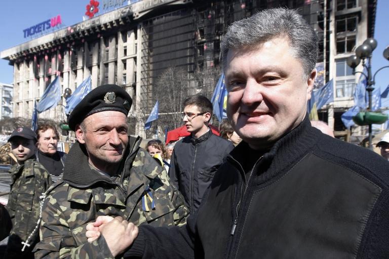 <p>Poroshenko campaigns on Kyiv's Independence Square.</p>