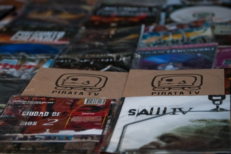 <p>PIRATA TV uses bootleg DVDs to bypass the traditional media channels.</p>