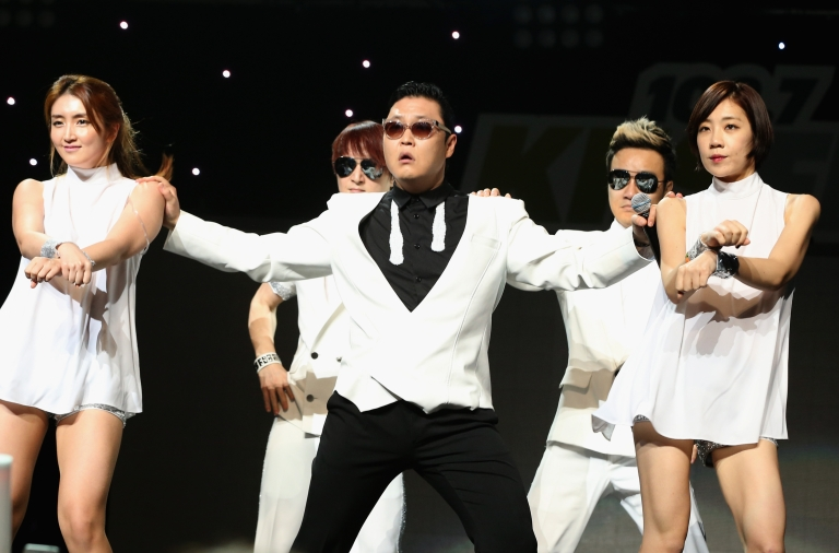 <p>Korean rapper Psy apologized on December 7, 2012 for penning lyrics against the American military during the Iraq War. The rap lyrics encouraged killing Yankees.</p>