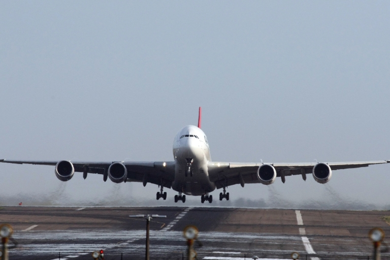 <p>The Qantas Airbus A380 leaves the tarmac on its first flight since a mid-air engine explosion three weeks go on November 27, 2010 in Sydney, Australia. Qantas A380 flight 31 from Sydney will head to Singapore before flying to London.</p>