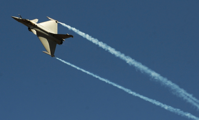<p>A Rafale fighter jet at an air show in Bangalore last year.  The Indian government must have liked what it saw since today it was announced it had purchased 126 of them from French arms manufacturer Dassault.</p>
