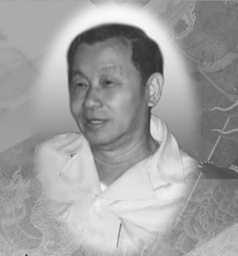 <p>A memorial photo of Red Bull co-founder Chaleo Yoovidhya, among Thailand's wealthiest businessmen, posted to a Thai-language Red Bull Web site. The billionaire passed away in March, 2012, at the age of 81.</p>
