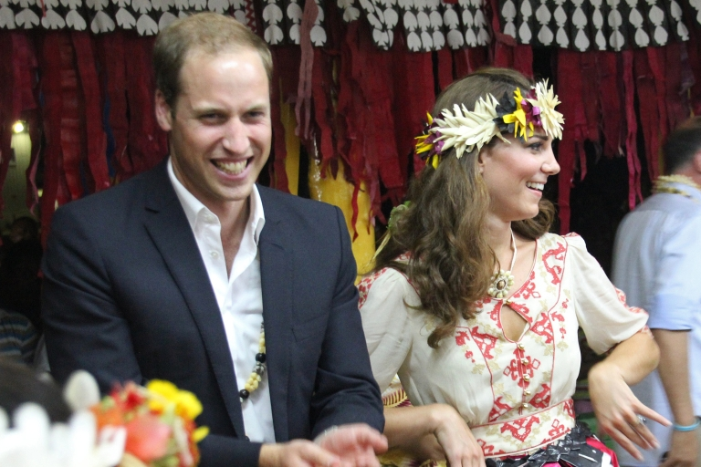 <p>Prince William and Kate Middleton have tried to appear above the fray on a visit to the Solomon Islands this week while their lawyers were busy back home.</p>