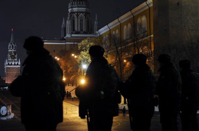 <p>Russian police block Manezhnaya square near the Kremlin in Moscow</p>