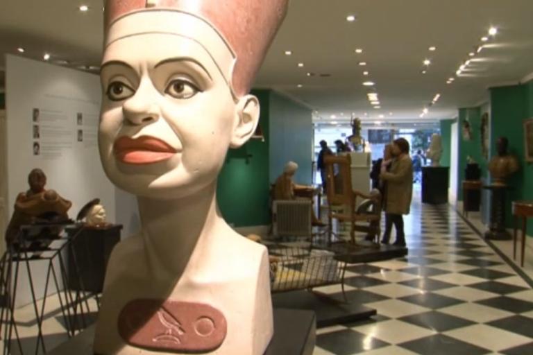 <p>A sculpture satirizing Argentine President Cristina Fernandez de Kirchner.</p>